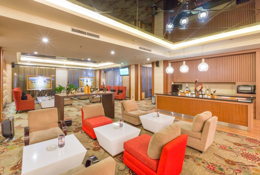 LJ's Lounge in Wyndham Surabaya